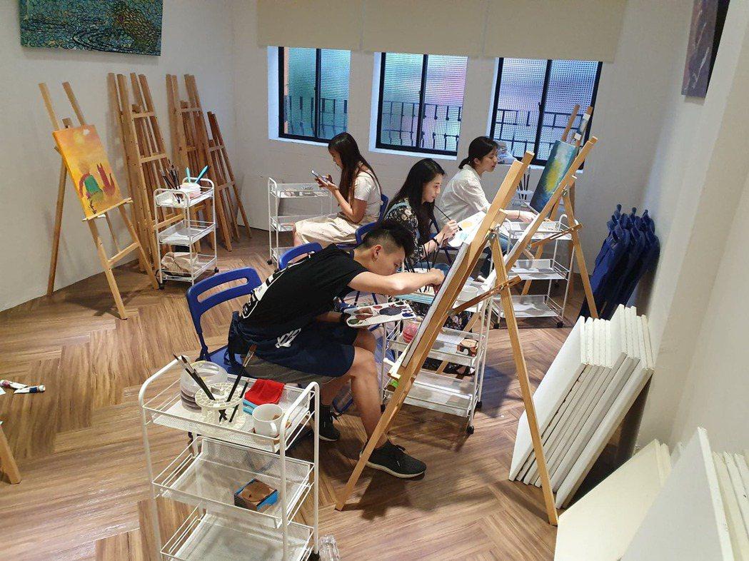 寶于藝術中心三樓的繪畫教室。業者/提供