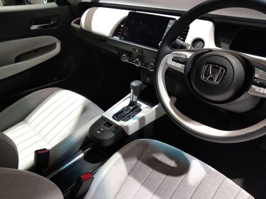 第四代Honda FIT內裝。 記者張振群/攝影