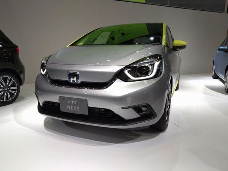 新Hybrid油電動力加入 第四代Honda FIT東京車展世界初公開!