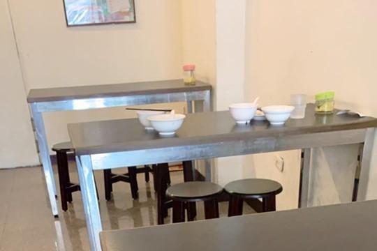 她疑惑客人為何只愛坐「髒桌」 網曝原因:會挑位置坐