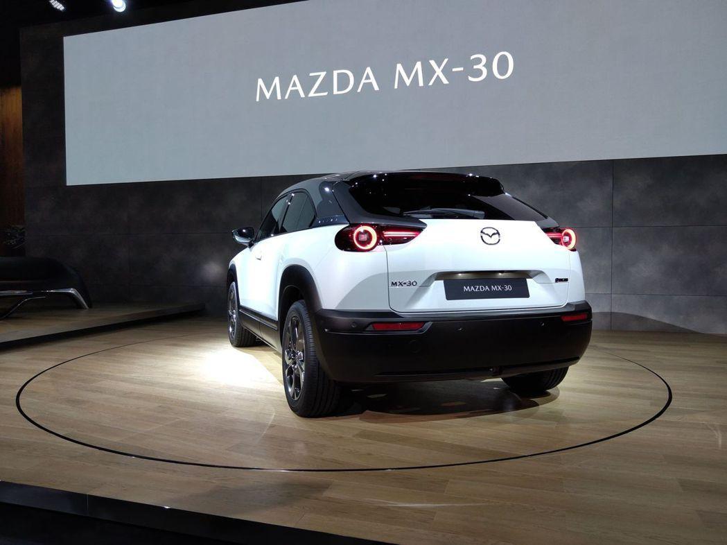 全新Mazda MX-30今日(23)於東京車展上正式發表。 記者張振群/攝影