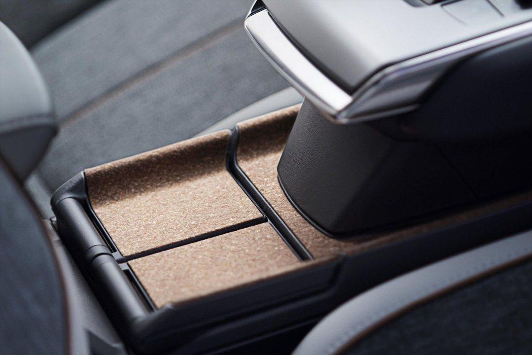 Mazda MX-30在中船部分使用了製作軟木塞所遺留下的軟木。 摘自Mazda