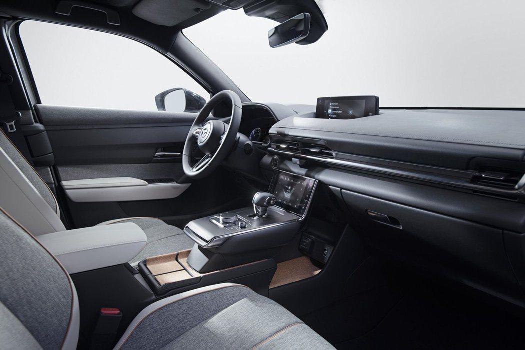 全新Mazda MX-30車室在視覺感上相當有溫度。 摘自Mazda