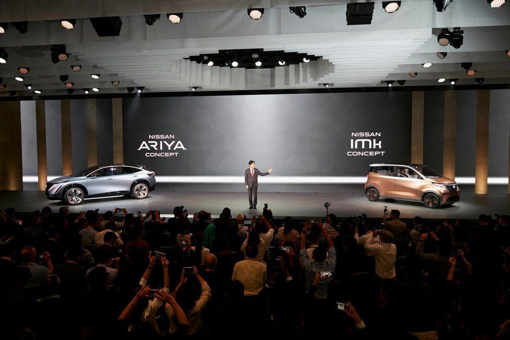 Nissan推出了兩款純電概念車,小車IMk與Ariya Concept純電跨界...