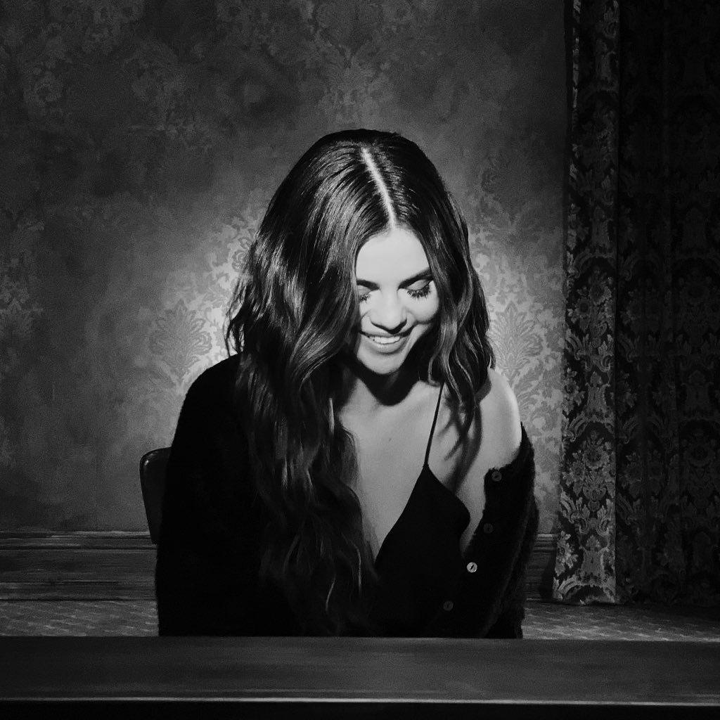 小天后席琳娜戈梅茲(Selena Gomez)終於回歸啦!今(23日)席琳娜的新...