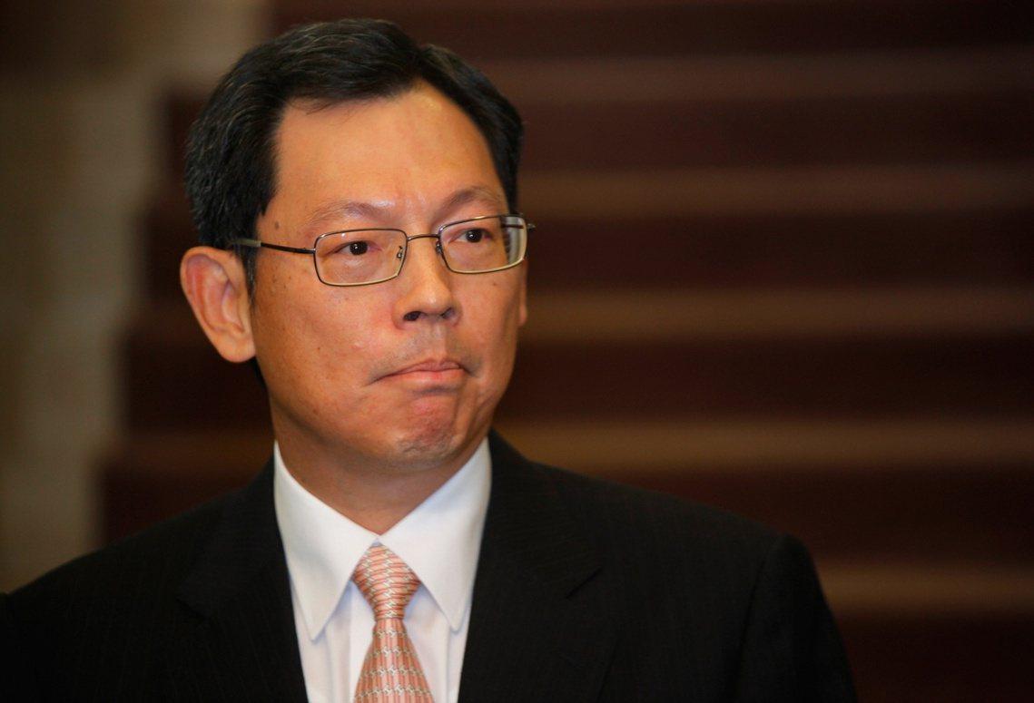 陳德霖是1993年香港金管局成立時的奠基人物之一,也曾擔任過香港行政長官辦公室主...