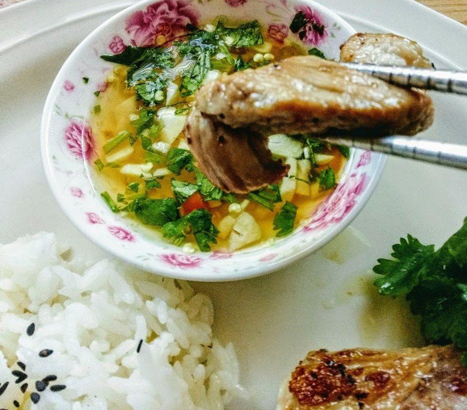 圖文:美國番媽【食譜】乾煎排骨佐越南酸甜辣醬