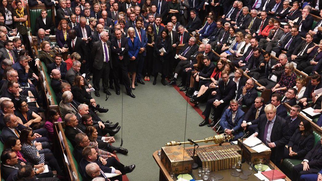 英國下議院等候脫歐法案時間表的表決結果,這個動議最後遭到否決。 (歐新社)