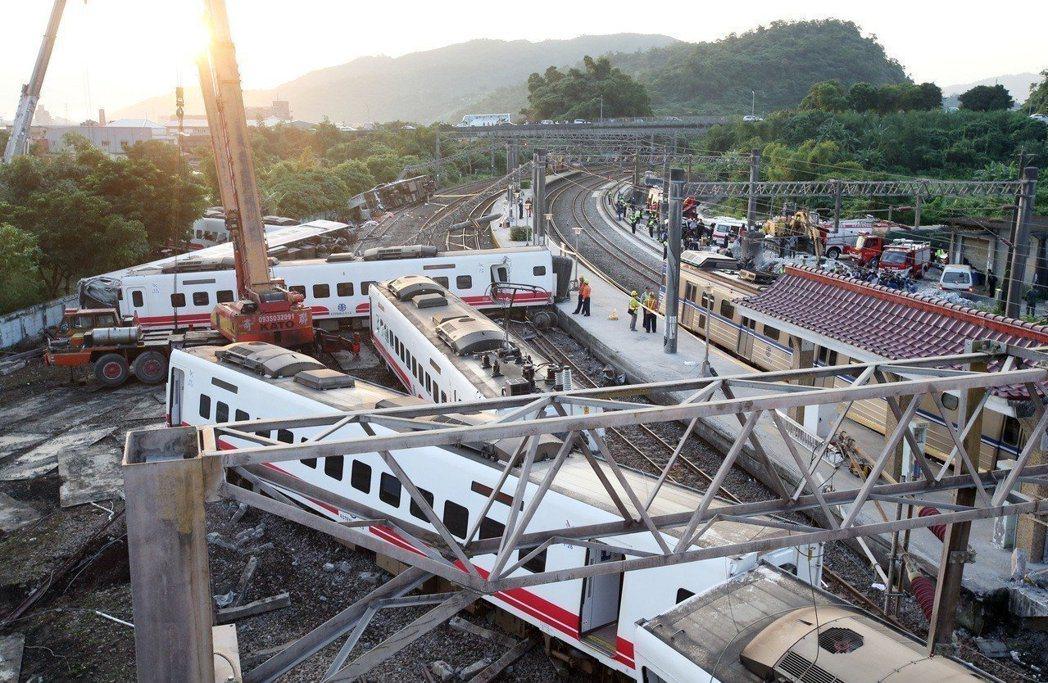去年10月21日,台鐵普悠瑪列車在蘇澳新馬站翻覆,造成18人死亡多人輕重傷。本報...