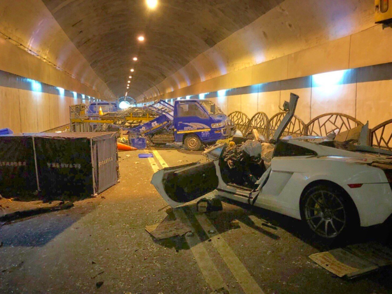 富少游翰甯去年7月在自強隧道飆藍寶堅尼,釀2死3傷。圖/本報記者翻攝照片