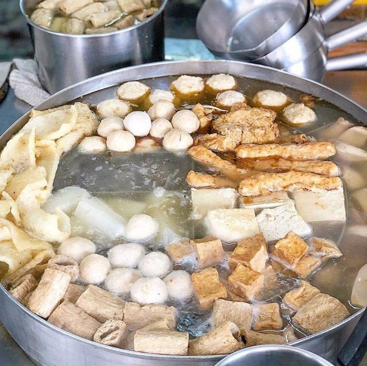 關東煮超豐盛,切個幾品來當小菜正好。圖/FB/Blog:舞食旅台灣。amos...