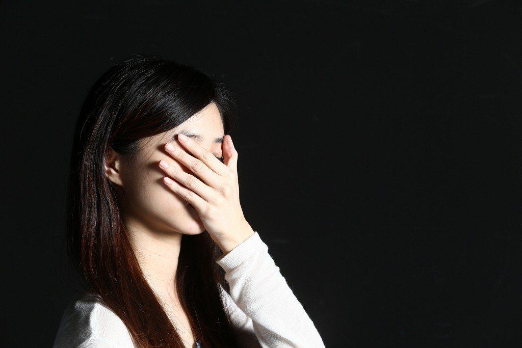 最近季節轉換情緒會受到影響,要注意冬季憂鬱症找上門。圖/報系資料照片