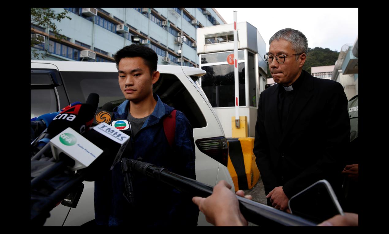 聖公會教省秘書長管浩鳴(右)表示,台灣每天說法都在變,近幾日的事情讓他很擔心,希...