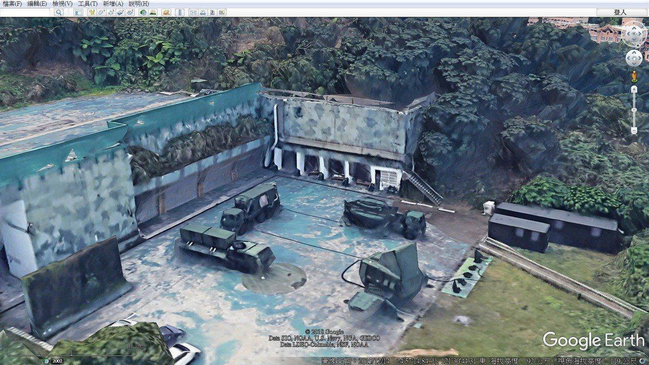透過Google MAP 3D還原,位在新店的愛國者631營2連神雕營區角落,飛...