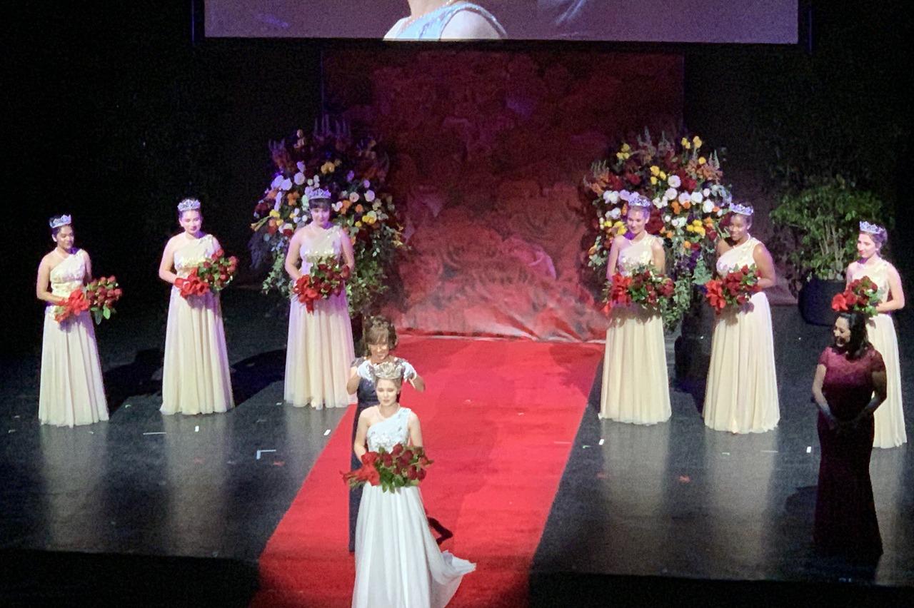 玫瑰公主出爐氣質高貴曾前往日本遊學會說流利日文