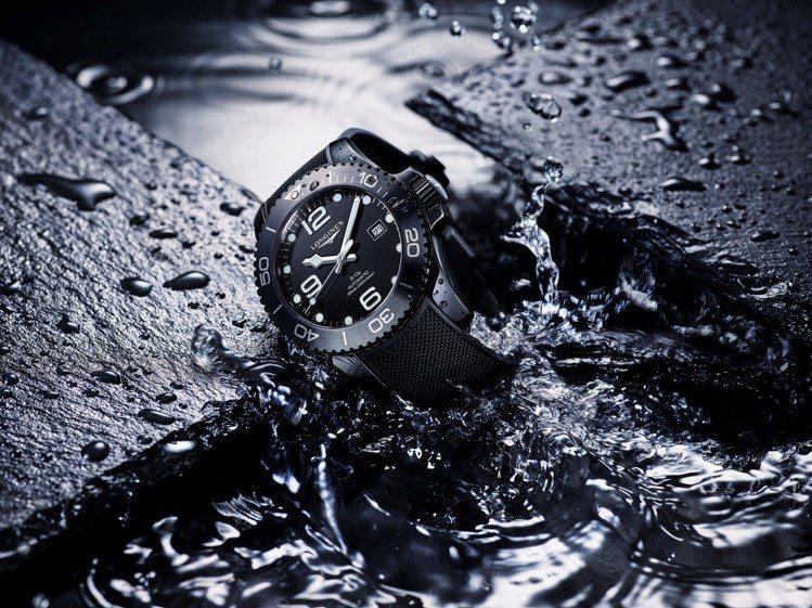 浪琴表深海征服者消光黑全陶瓷腕表,也是首次品牌運用陶瓷材質來製表,對表迷具有象徵...