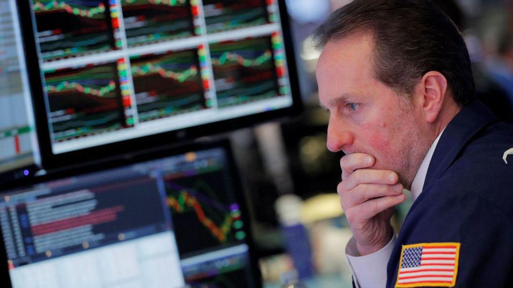 美股去年底湧現一波賣壓,「耶誕行情」落空,投資人擔心這種年終跌勢今年會不會又捲土...