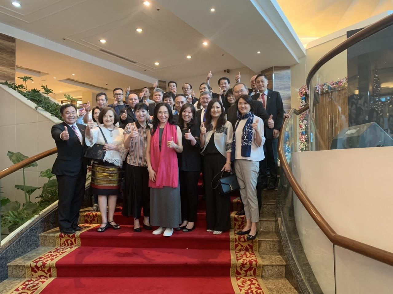 李佳芬前往菲律賓、越南展開為期5天的行程,拜訪當地台商、僑胞。圖/讀者提供