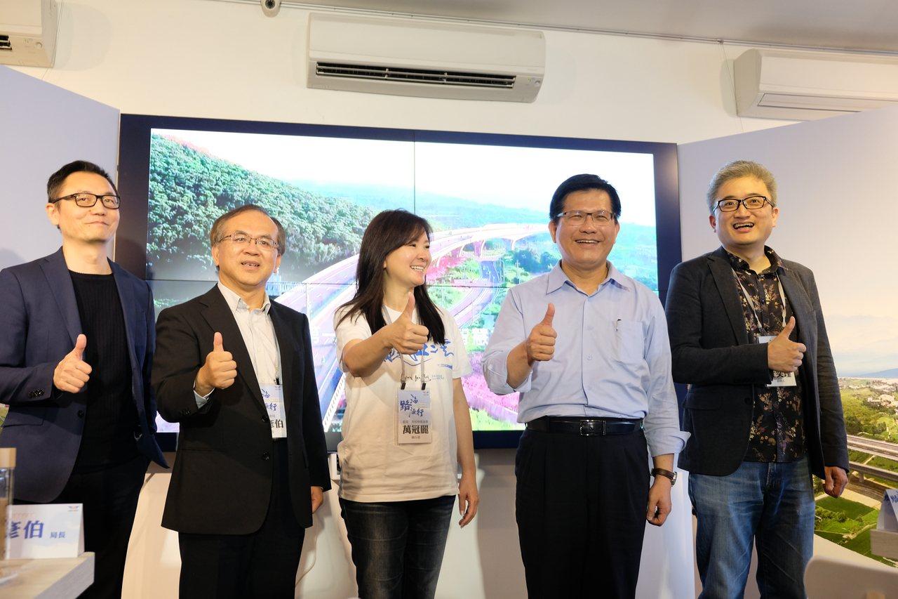 交通部公路總局與台灣人工智慧實驗室、齊柏林基金會合作,製作「海路漫行」影片,今舉...