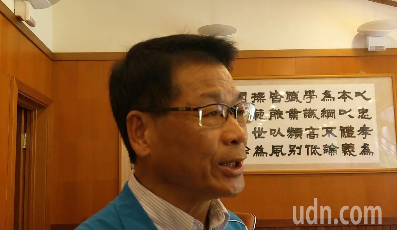 國民黨立委參選人呂國華希望高鐵延伸宜蘭案,不要淪為選舉一到的政治支票。記者戴永華...