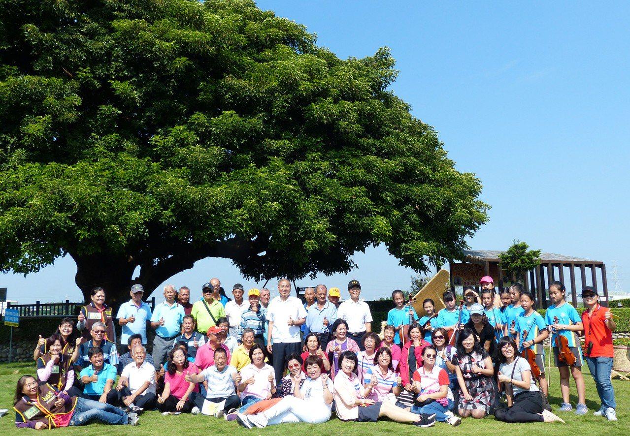 「米樂稻浪音樂饗宴」這周六將在田中鎮老樹公園舉辦,邀請民眾來聽音樂吃美食。記者凌...