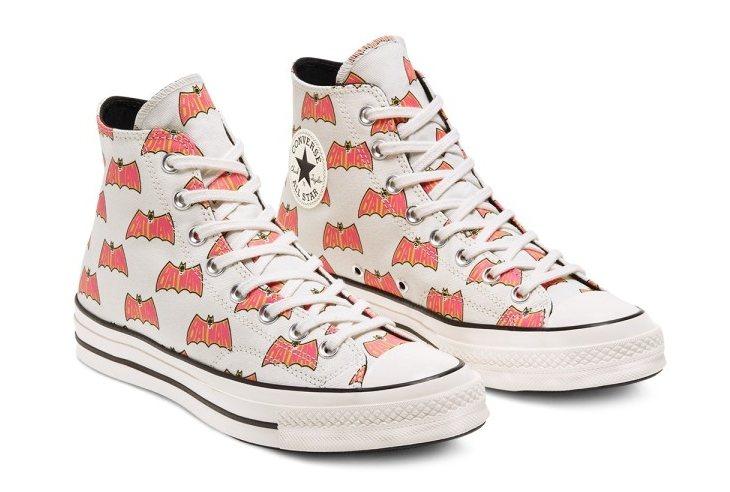 CONVERSE X BATMAN 80周年限量鞋款,售價3,280元。圖/AB...
