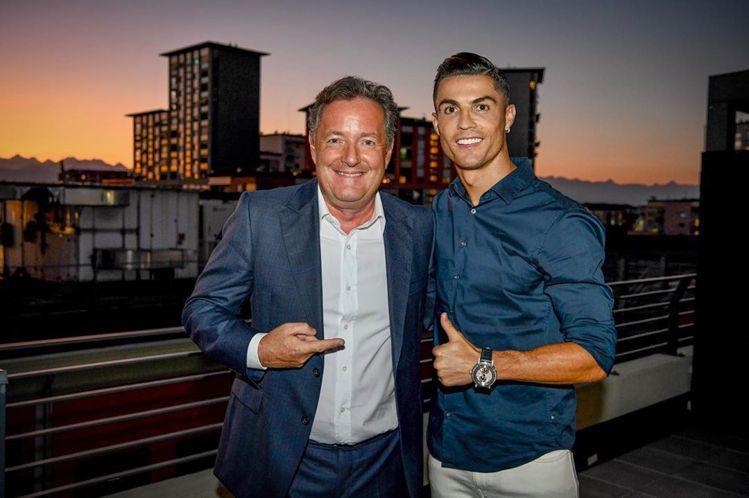 足球巨星C羅在接受採訪時,也配戴了寶璣Classique Grande Comp...