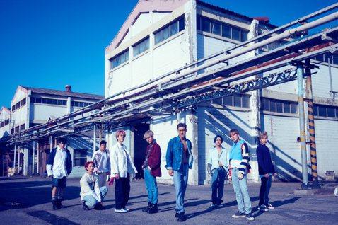 南韓男團SUPER JUNIOR(SJ)自成員圭賢於今年5月7日退伍後,終於全員服役完畢,帶著第九張正規專輯「Time_Slip」強勢回歸!除了透過官方V LIVE頻道播出的「SJ Returns ...