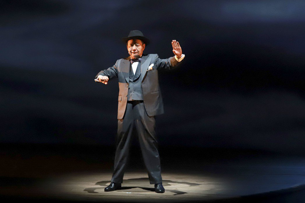 蔡振南在「月夜情愁」戲中飾演西皮派大老。圖/民視提供