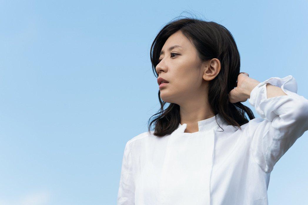賈靜雯在「罪夢者」戲中從正值青春年華的少女 ,演到歷經滄桑的單親媽,命運坎坷。圖...