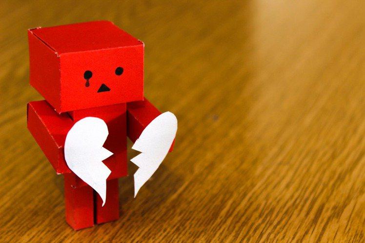 不管是怎樣的情感,都千萬不要失去自我。圖/摘自 pexels