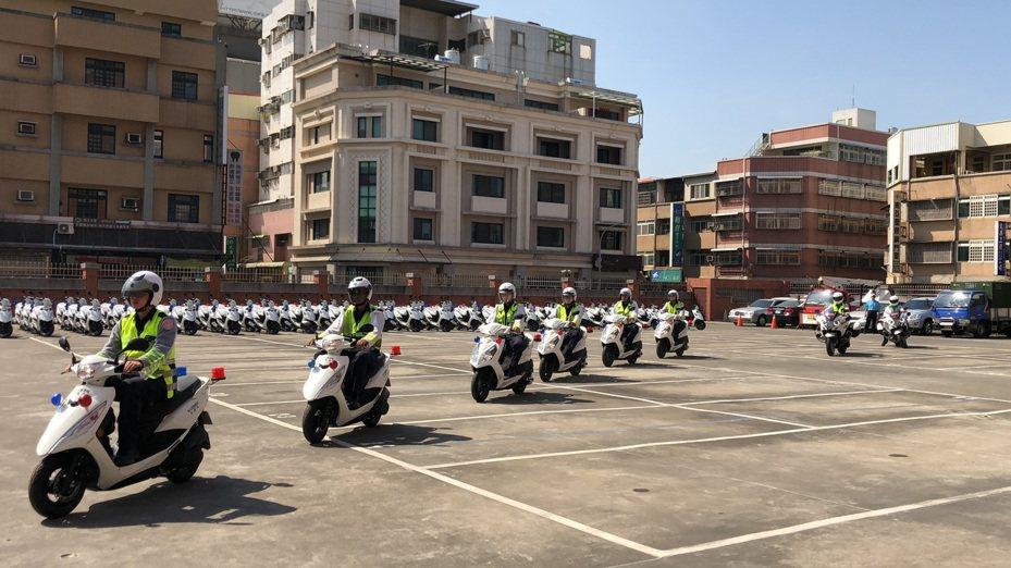 彰化縣政府幫基層員警採購巡邏機車123輛,今天分發給基層員警使用。記者何烱榮/攝影