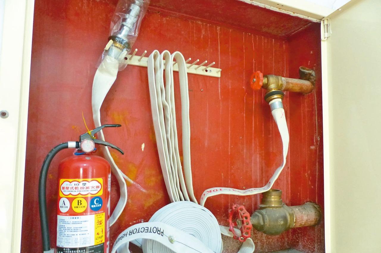 消防水帶汰換遇缺貨 大樓憂受罰