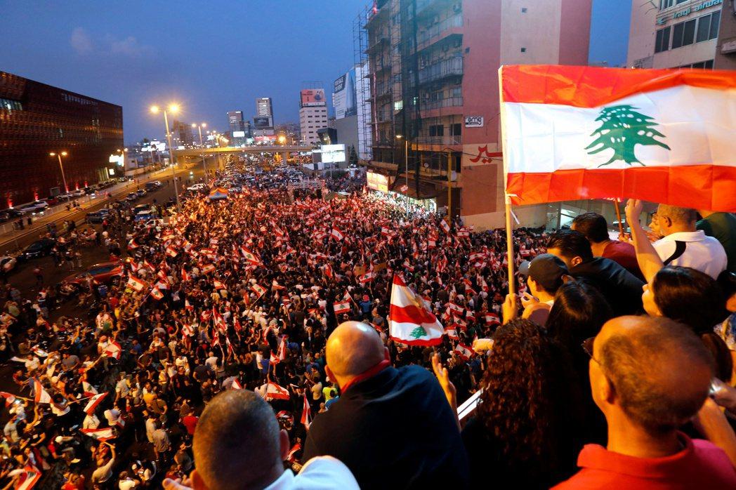 黎巴嫩反政府示威運動仍未見停止跡象。(路透)