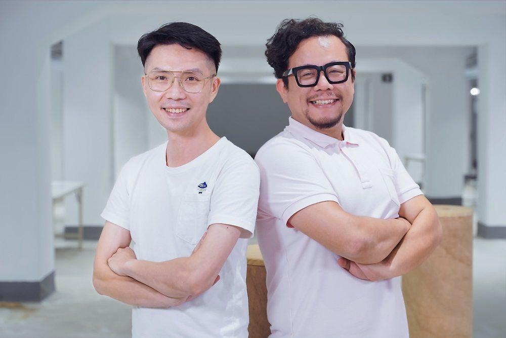 點點善創辦人葉文宏(左)與雜學校創辦人蘇仰志(右)聯手,要用創新雜學,一起解決阿...