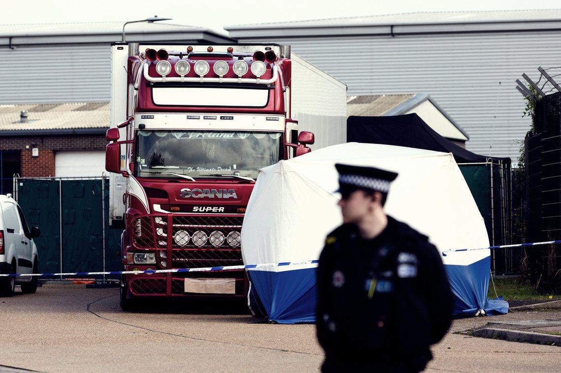 警方指出,這起死亡悲劇極有可能是移民偷渡,但仍須等到遺體身分確認後才能確定;埃塞...