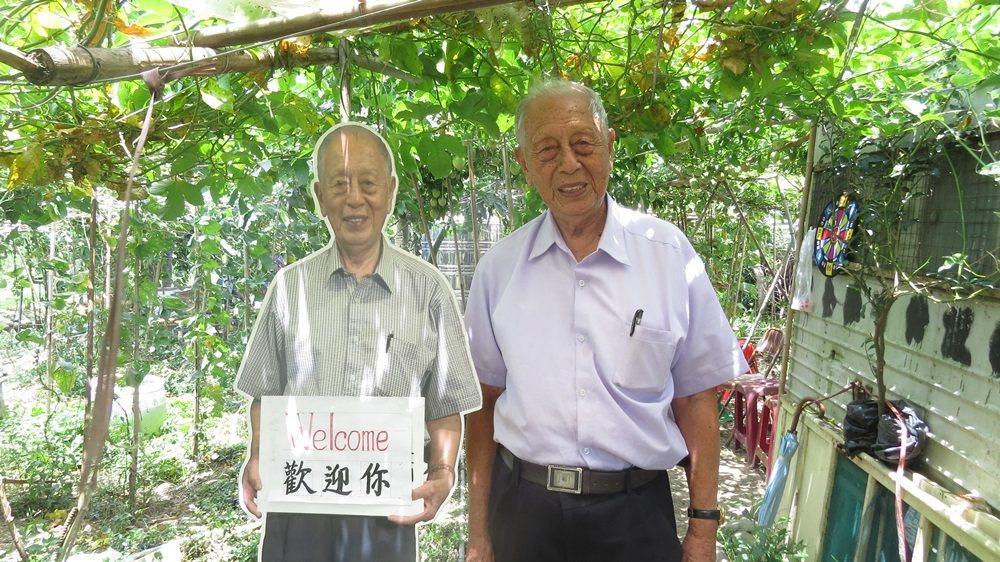 96歲陳孝祿在苗栗縣公館鄉館東村菜園搭竹架棚,打造快樂農園。 圖/范榮達攝影