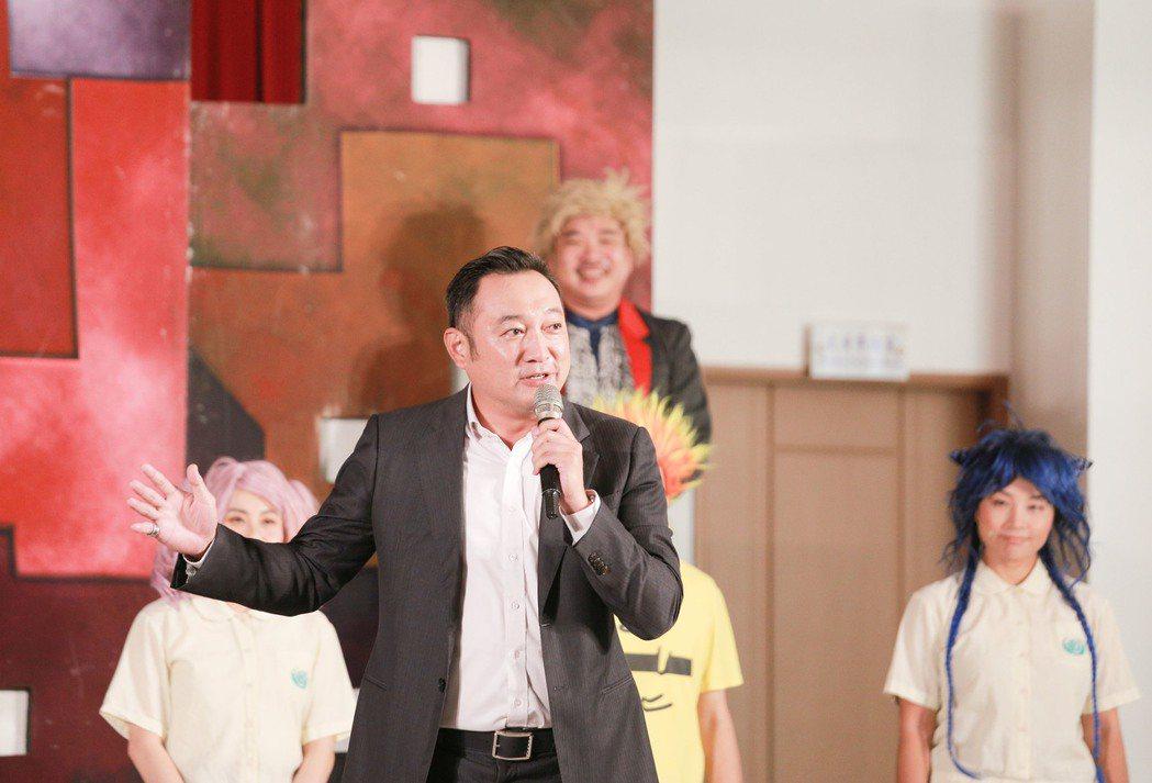 清景麟教育基金會董事陳政聞表示,這幾年深入偏鄉校園,實際發現在地青少年的毒品環境...