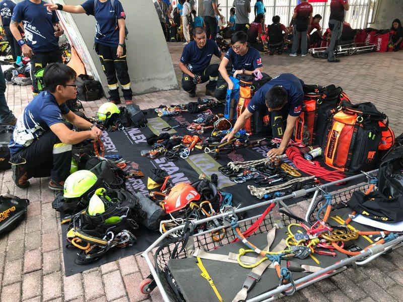 圖/橋2019志工。每位隊員身上需攜帶的技術裝備超過10公斤