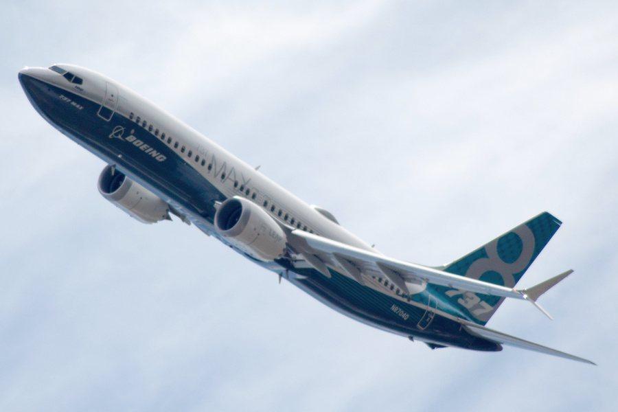 波音受到737 Max連續失事影響,股價與商譽一落千里,因此力拚要在2020年初...