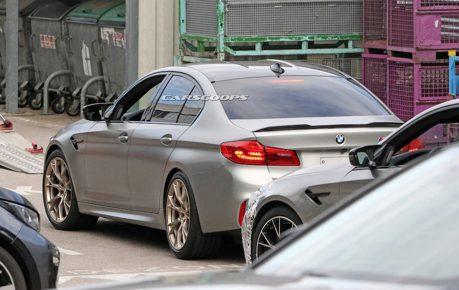2021 BMW M5 CS硬斗現身 竟然還沒穿衣服!
