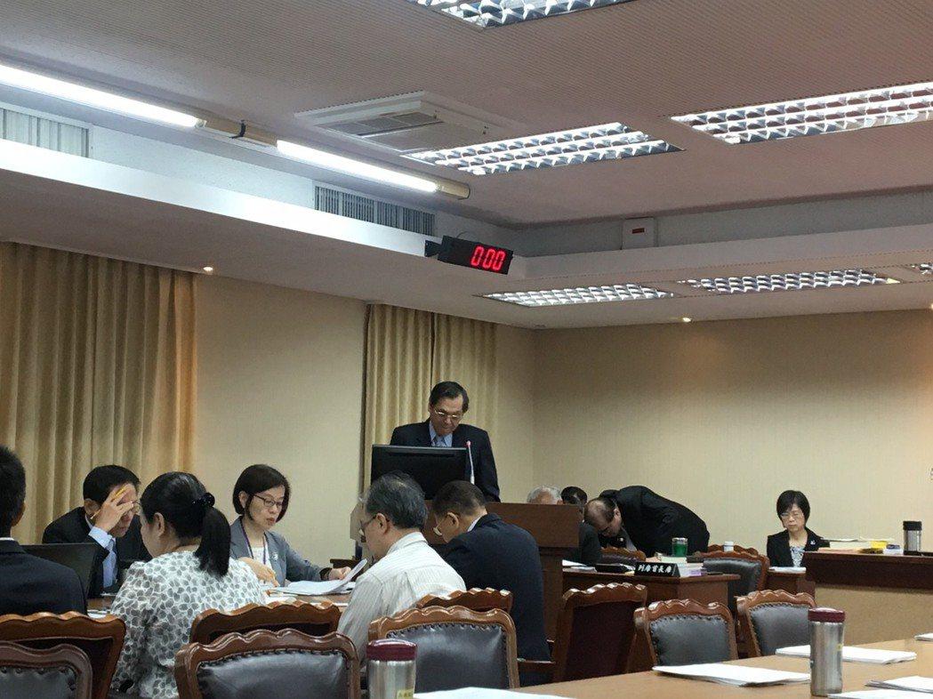 陸委會主委陳明通今天到立法院內政委員會進行專題報告並備質詢。記者周佑政/攝影