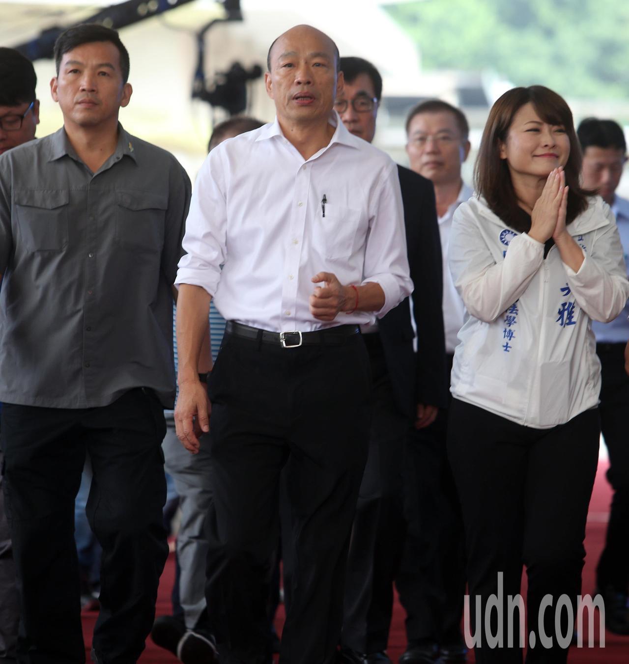 高雄市長韓國瑜在國民黨主席吳敦義抵達會場3分鐘後現身,但吳、韓兩人並未多加互動。...