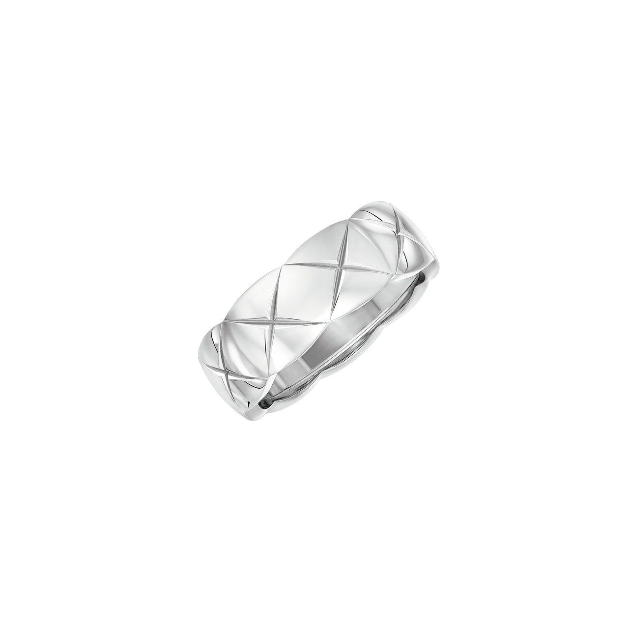 Coco Crush 18K白金戒指小型款,80,000。圖/香奈兒提供