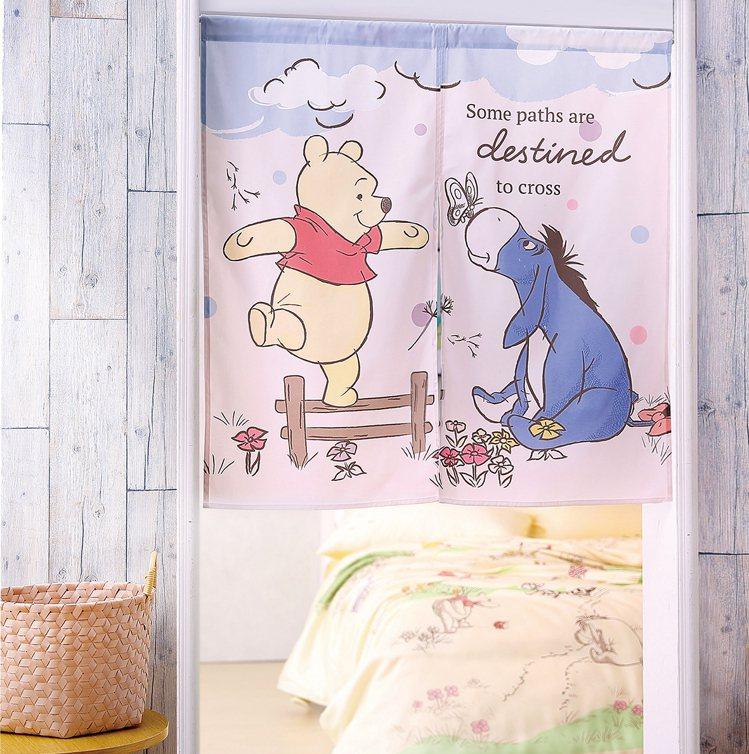 HOLA迪士尼系列維尼印花短門簾90 X 90cm,原價699元、特價599元。...