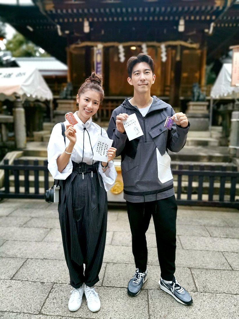 修杰楷(右)、林予晞為主演「天堂的微笑」參加東京國際影視展,赴日本上野公園花園稻...