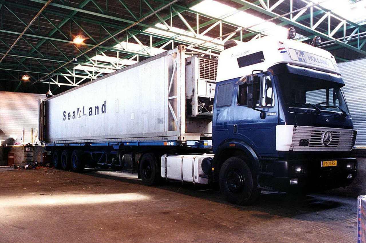 西元2000年多佛慘案涉案貨櫃車。(法新社)