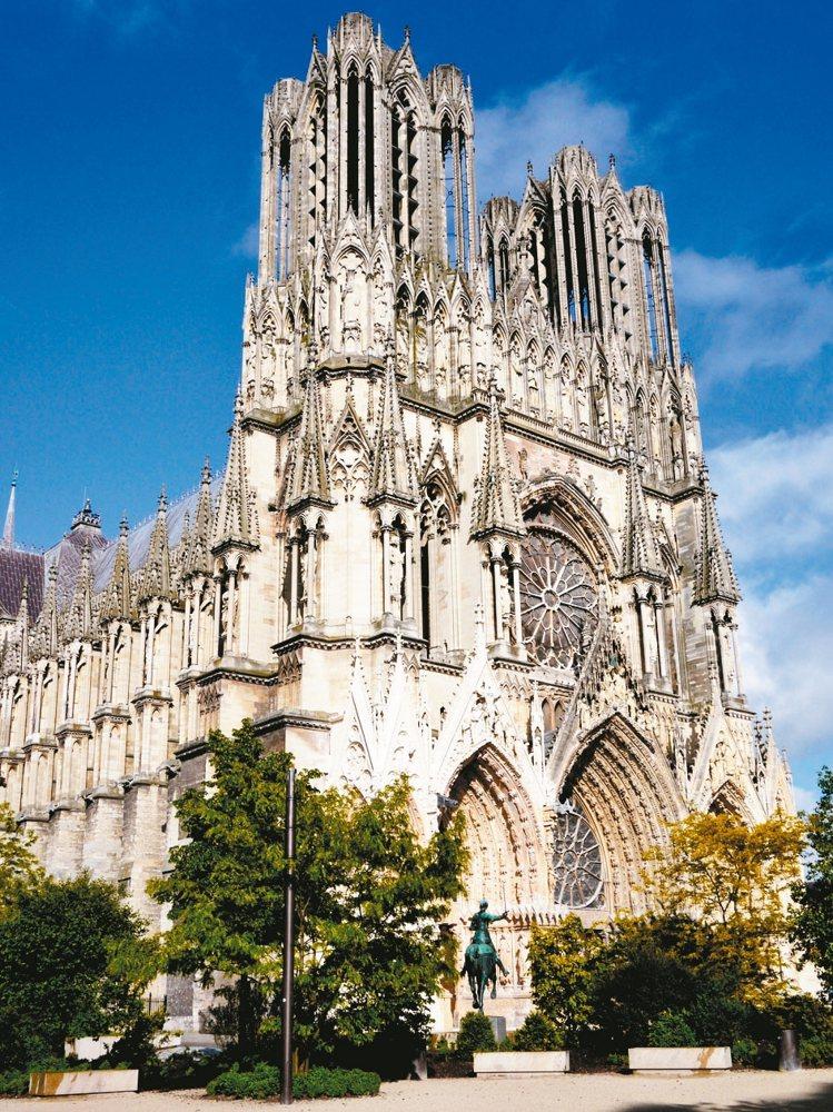 2015年7月4日法國香檳區被聯合國文教組織正式列為世界文化遺產之一,歷史上有2...