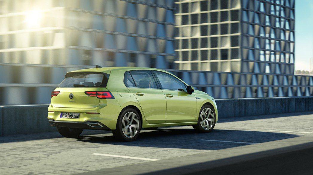 第八代Volkswagen Golf導入了可與周遭環境連結的全新Car2X資訊分...