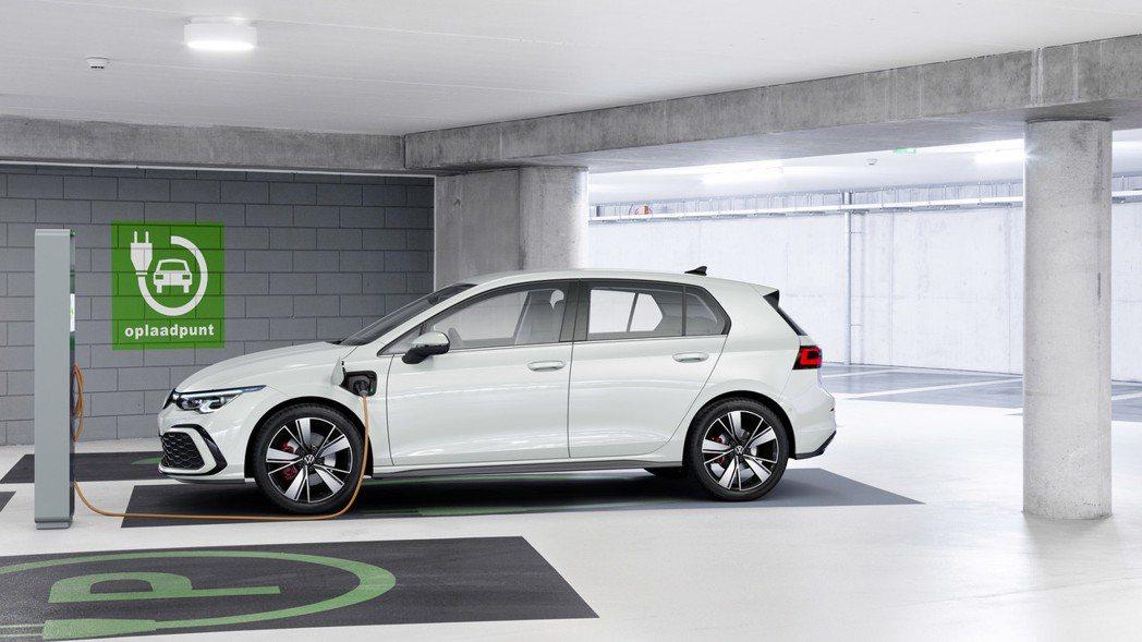 藉由第八代Golf的發行,Volkswagen為其導入了全新eTSI與eHybr...